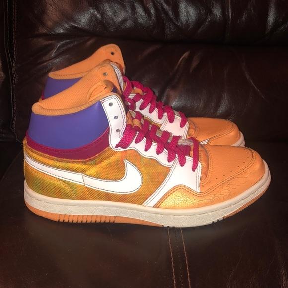new arrival ea881 83b14 Women s size 8 Nike Court Force high top sneaks! M 5c00f116e944ba48798bd785